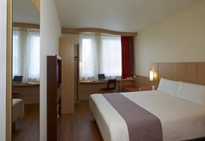 Ibis Cracow Bedroom